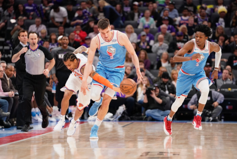 Knicks Lose Fourth In a Row, Drop Game in Sacramento