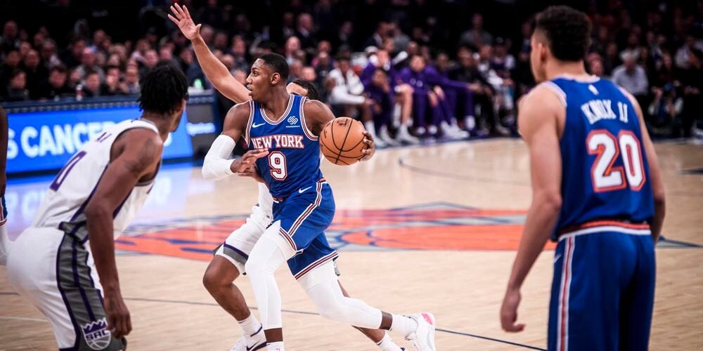 Playing RJ Barrett in Garbage Time Is Not Helping Him Succeed