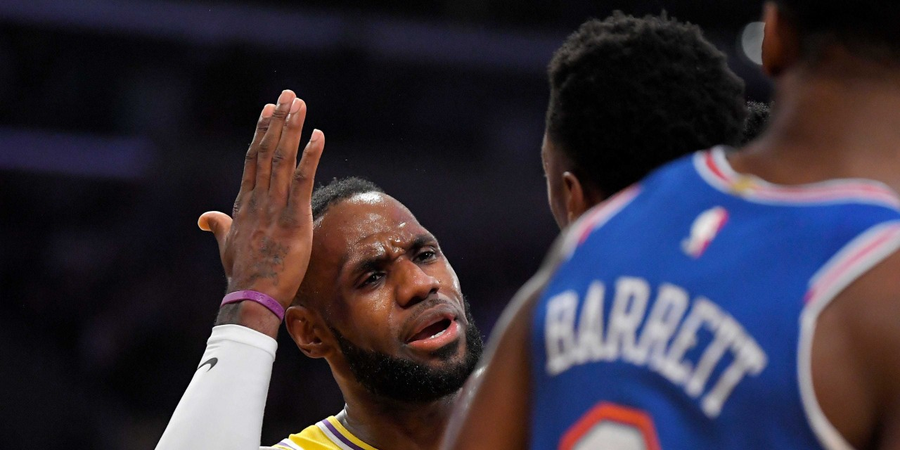 Hobbled Knicks Welcome LeBron, AD and Lakers to the Garden