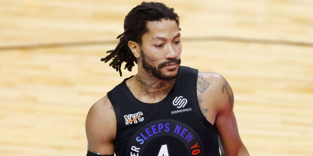 Derrick Rose Leads By Example, Steps Up to Help Keep Win Streak Alive